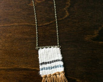 Woven Necklace // Fiber Jewelry // Mini-Weaving Necklace