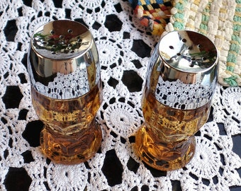 1960 Salt and Pepper Shaker Set, Anchor Hocking Amber Glass Mid Century Retro Salt and Pepper Shakers, Chrome Colored Lid Set Gold Glass