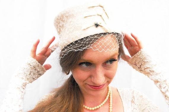 1950s Bridal Lace Veiled Pillbox Hat Vintage Wedding Millinery Off White Champagne Ribbon Netting Ornate Diamond Diamanté 50s Headpiece Veil