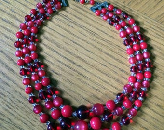 1950s Three-Strand Red Bead Necklace Varigated Color Clear & Opaque