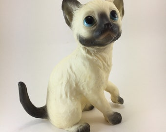 Siamese Cat kitten figure vinyl plastic sad face big eye style mini statue