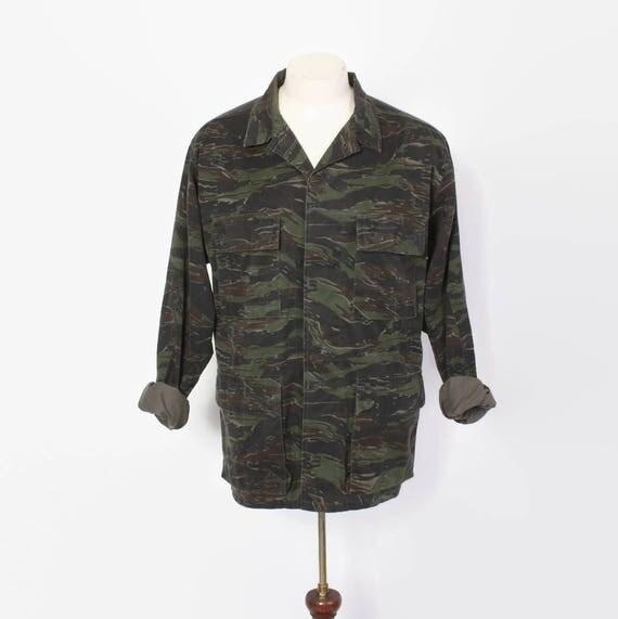 https://www.etsy.com/listing/528917611/vintage-70s-tiger-stripe-camo-jacket?ref=hp_rf