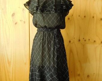 Seventies Flouncy Neckline Frill Hem Black and White Sleeveless Dress Dolina Small Extra Small