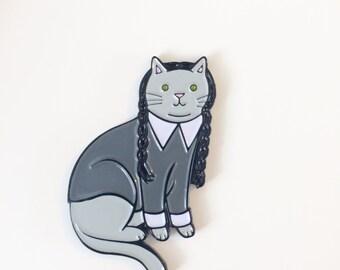 Wednesday Addams Cat Enamel Pin -  Goth Cat Pin -  cat pin - cat jewellery -Halloween Pin - Unique Boutonnière