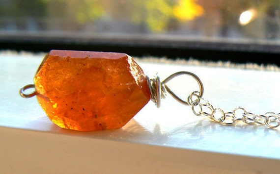 Raw orange garnet gemstone pendant- Hessonite sterling silver necklace- Necklace women gift- Dainty garnet necklace- Trendy fashion jewelry