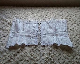 White corset Size 32 Xs-small
