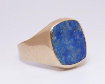 Victorian Era lapis lazuli and 8k gold signet ring / size 9 / Victorian ring / mens ring / Victorian lapis lazuli / Antique gold men's ring