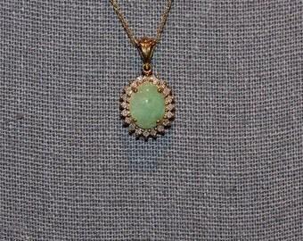 Stunning Vintage 10K Gold Diamond Cluster and Jade Pendant Necklace