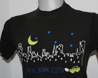 90s New York City Checkered Cabs Manhattan mens Taxi medium USA vtg shirt NYC 90s skyline downtown souvenir black well worn