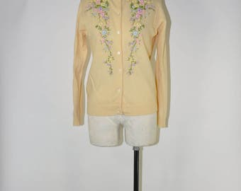 50s lambswool cardigan / 1950s floral cardigan / vintage embroidered sweater