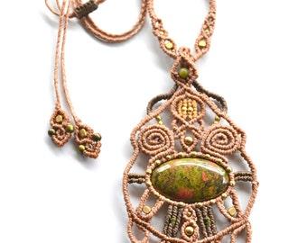 "Macramè necklace ""Ninfea"" with Unakite cabochon and brass beads"