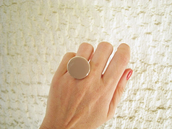 Taupe ring, beige tan khaki resin ring, round ring, cocktail solitaire ring, modern minimalist earthy ring, big chunky ring, beach summer