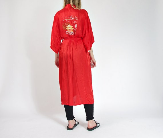 SALE - 80s Marianne von der Osten Hand Embroidered Kimono Dressing Gown Shanghai China / Size M/L