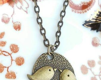 "Love Birds Pendant Necklace 20"" Antique Bronze Tone Chain Oval Bird Charm"