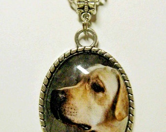 Yellow Labrador pendant with chain - DAP09-021