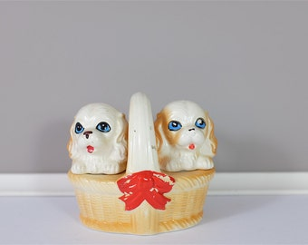 Vintage ceramic Salt and pepper shakers, made in Japan - Puppies in a Basket Dogs salt and pepper - 60' Retro salt & pepper