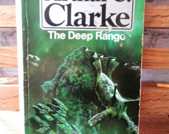 Vintage paperback book Arthur C Clarke The Deep Range Pan Science Fiction future sub mariner sea monster mystery aquaculture sci fi novel