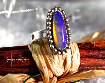 Crystal OPAL Silver RING - Size 8 - AUSTRALIAN Opal Silver ring - Blue Violet Yellow Silver Ring - Opal sterling Silver Ring - Colours Ring