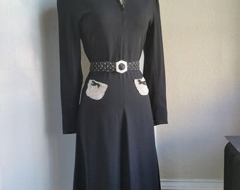 "Late 1930s Black Crepe Zip Front Dress with White Lace ""pockets"""