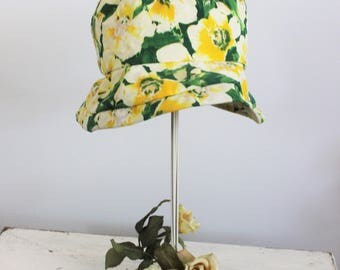 Vintage 1990s Women's Fishermans Hat / Flower Print Crushable Floppy Bucket Hat / Vintage Millinery / Yellow And Green Floral