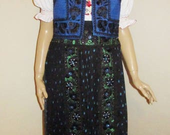 Hand embroidered and hand pleated Hungarian Kalotaszeg costume ,new handmade Hungarian costume size M