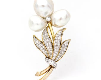 Flower Brooch in 14k Yellow Gold with Cultured Pearls and Diamonds Signed TRIO