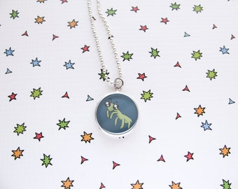 Praying Mantis Necklace, Cute Insect Pendant, Nature Accessories, Bug Jewelry, Funny Wildlife, Mantis Lover Gift