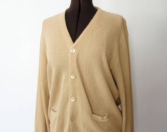 1960s grandpa cardigan beige acrylic knit vegan nubby sweater MOP buttons v neck cardigan 60s sweater patch pockets cozy boyfriend sweater