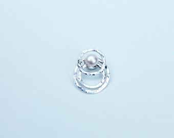 Silver Circles Pearl Brooch