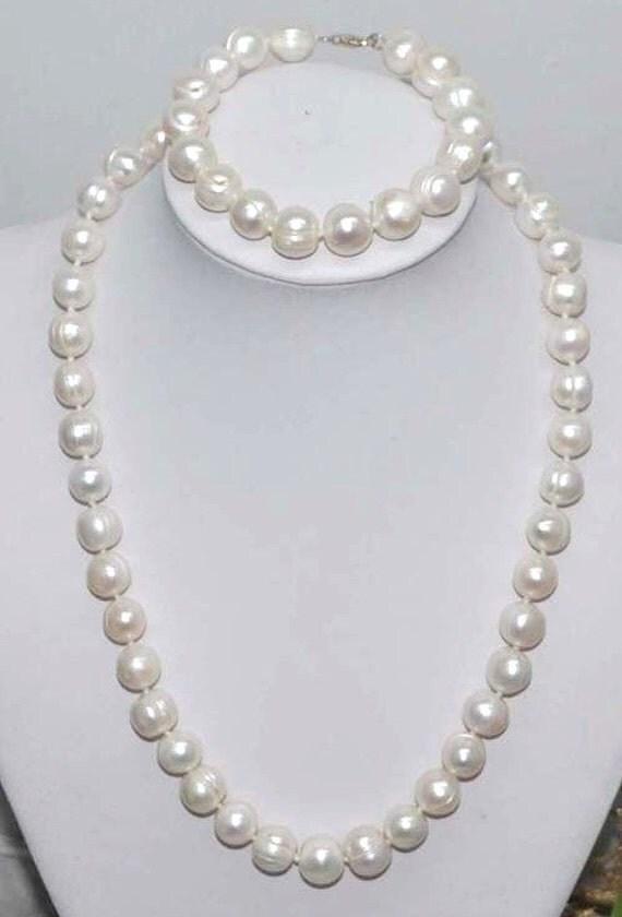 Lovely new handmade genuine 10mm set of freshwater white pearl necklace and bracelet