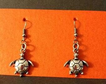 Dark Silver turtle with dark silver fishhook
