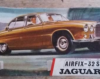 Mock up Airfix 1/32 Jaguar 420 (1969)