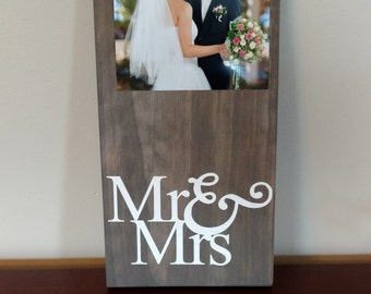Mr&Mrs Wedding Frame.Wedding Gift.Wedding Frame.Engagement Gift.Picture Frame.Anniversary Gift.Mr and Mrs Frame.Bride and Groom Frame
