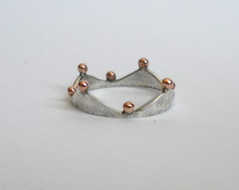 Crown shaped sterling silver ring with copper details, chose from slight oxidized / scratched finish or polished glossy finish