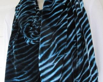 "Hand-dyed blue silk/rayon velvet arashi shibori scarf 13"" x 70"""