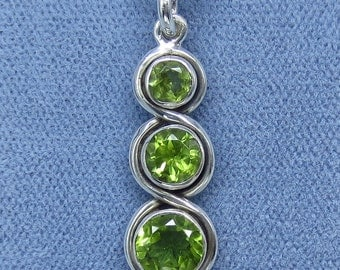 Natural Peridot Three Stone Necklace Sterling Silver Fancy-Dancy Jewelry P200906