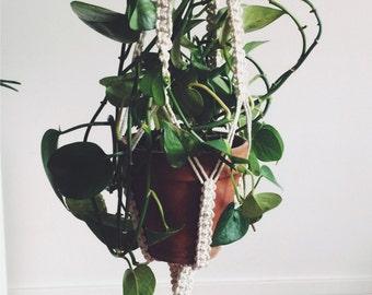 """Macrame """"Marceline"""", suspension for plant"""