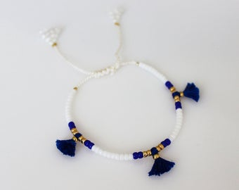 Beads bracelet with tessels friendship bracelet Silk Tassel Bracelet ONE adjustable bracelet-Beads and tassels on white silk cord