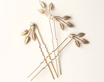 GOLD or SILVER leaf hair pins, Golden hair clip set, Pearl beads, Wired headpiece, Woodland bridal hair, Minimalist bridal - SET of 3