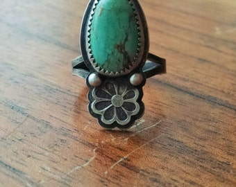 Kingman Turquoise Stamped Daisy Flower Ring- size 7.25 - boho hippie floral jewelry ponderbird
