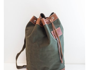 GH BASS army green canvas and leather luggage duffel bag - holdall bucket bag - backpack