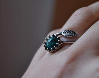 Turquoise ring silver, woodland ring, turquoise leaf ring, nature ring, dainty ring