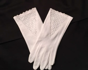 Vintage White Cotton Lace Gloves