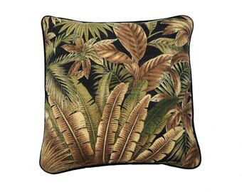 Palm design pillow cover in lush tropical colours,perfect for sunny indoor rooms or outdoor entertainment areas.Very family friendly .