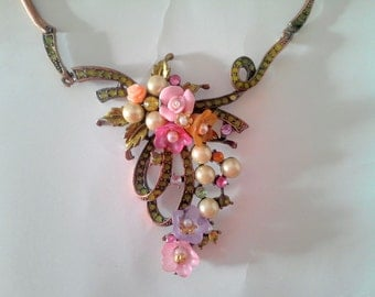 trade winds floral cascade necklace