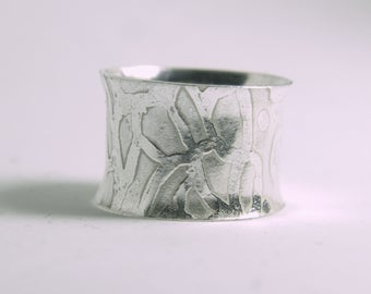 Handmade ecosilver 925 etched anticlastic cuff ring