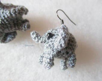 Mini elephant earrings amigurumi crochet : doll,mini doll,crochet,amigurumi, earrings,accessories, jewelry, handmade,elephant doll ,ban croc