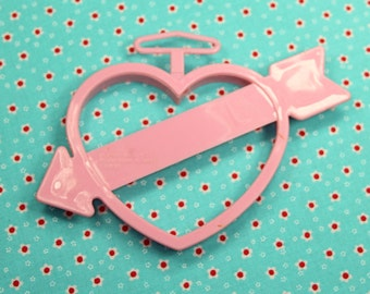 Pink Heart With Arrow Wilton 1993 Valentine Cookie Cutter