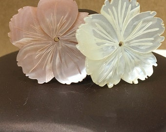 5pcs 30mm Natural MOP Flower Beads White Mother of Pearl Carved  Flower Beads BKH001