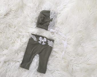 Newborn Photography Prop Set {Sage Bonnet & Pants}